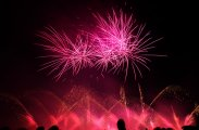 brillantfeuerwerk-als-pyromusical